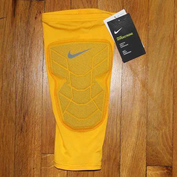 fffa4cef4 Nike Other | Pro Combat Hyperstrong Padded Knee Sleeve | Poshmark